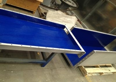Non-stick coatings for dust extraction