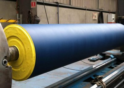 Paper industry wire drive roll polyurethane coating