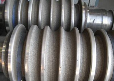 Steel mill grip rollers